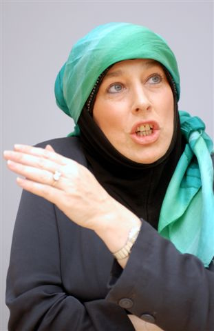 How-Yvonne-Ridley-Became-a-Muslim